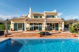 Impeccably presented 3 bed villa in Boliqueime with...